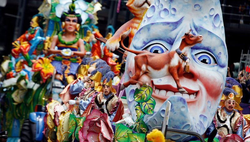 NEW ORLEANS - FEBRUARY 20:  Floats in the Rex parade roll along St. Charles avenue on Mardi Gras Day, February 20, 2007 in New Orleans, Louisiana. This is the second Mardi Gras celebration since Hurricane Katrina devasted the Gulf Coast region.   (Photo by Chris Graythen/Getty Images)