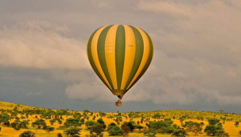4. safari in uganda_Queen Elizabeth National Park mongolfiera_01